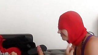 Lehrerin Janine: Blowjob mit Maske (2)