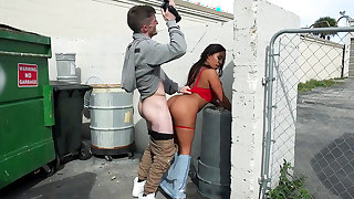 Priya Price accepts cash for a cam fuck in outdoors