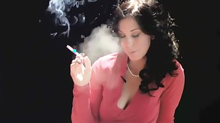 Dark-Haired Bombshell Gives A Hot Blow Job While Smoking A