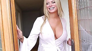 Hot cougar explores her pleasure spots